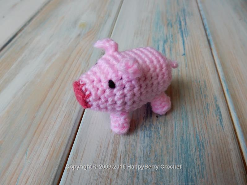 Crochet Mini Pig | HappyBerry