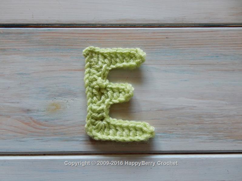 Crochet A Pillow Letter A - YouTube | 598x798