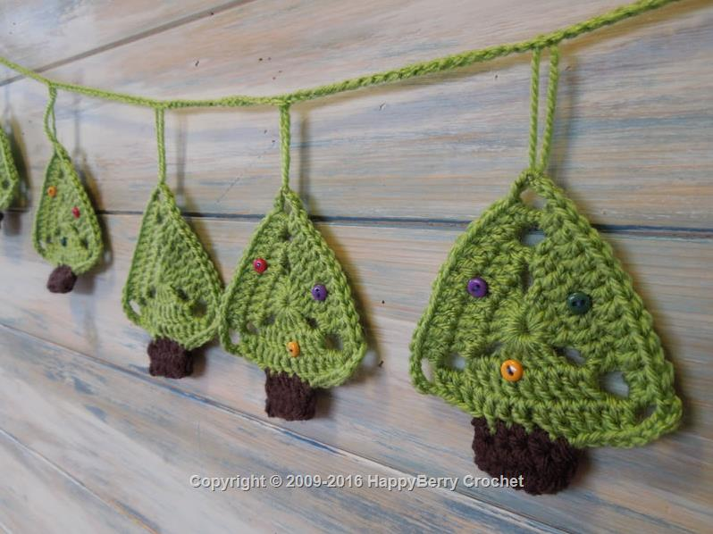 Crochet Christmas Tree Bunting