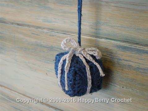 Mini Granny Square Present Decoration