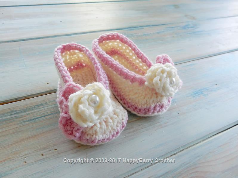 White Rose Baby Booties