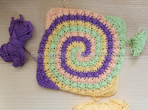 Puff Stitch Spiral Square